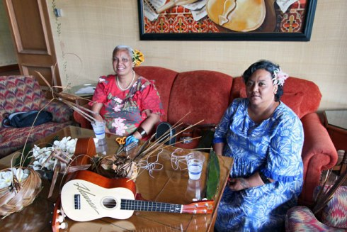 Learning Hawaiian Culture with Auntie Irene at the Four Seasons Lanai